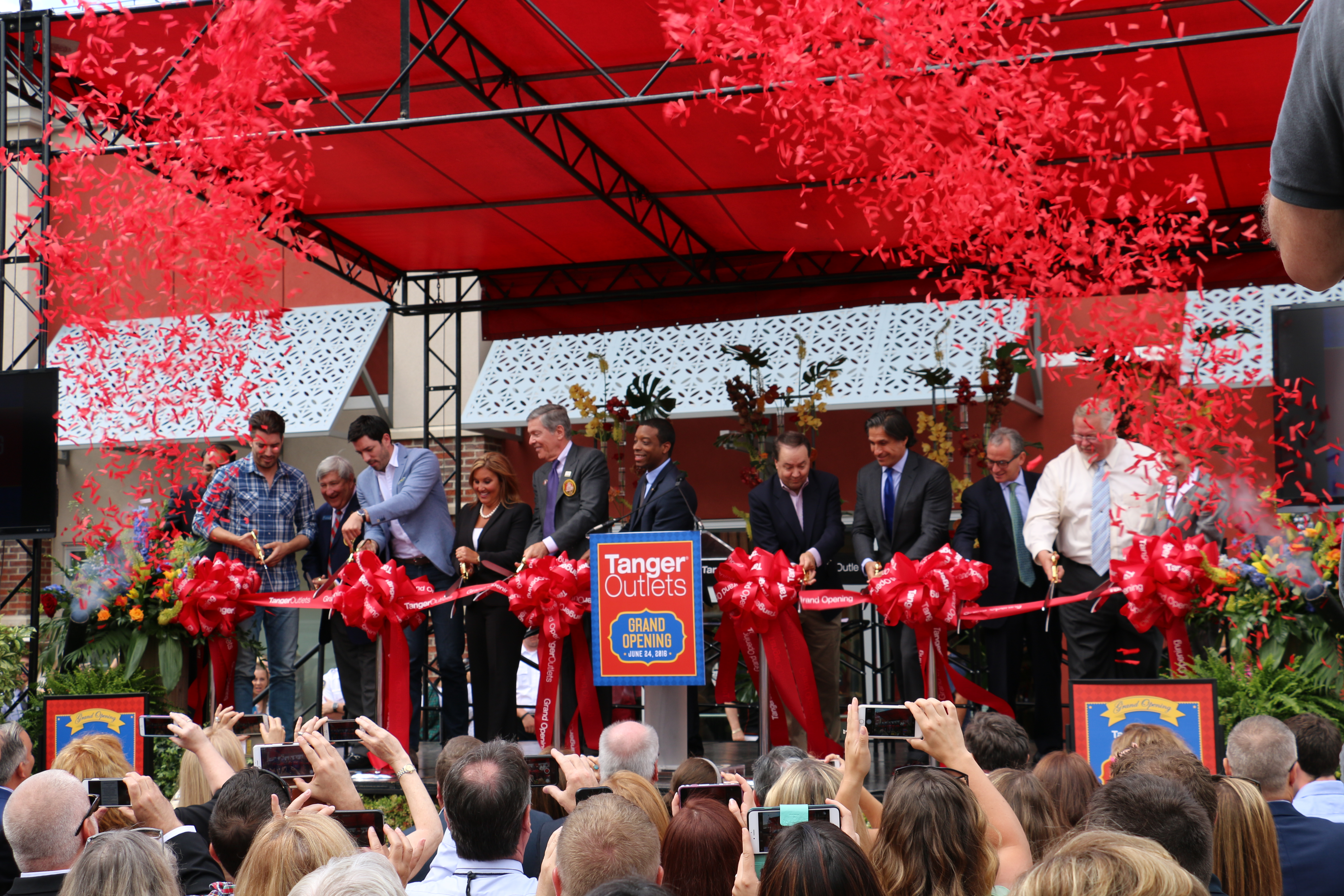 Tanger Outlets Ribbon Cutting