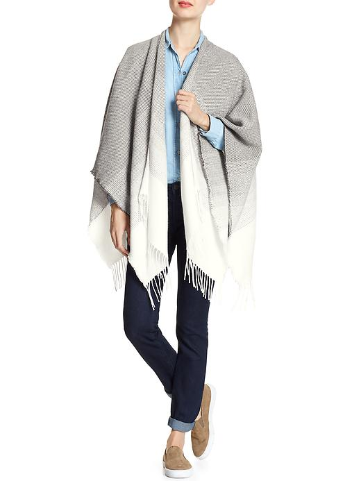 tangeroutlet_ombre-poncho