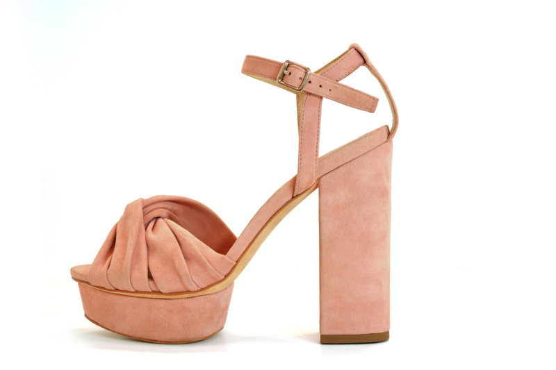 Tanger Outlets blush heel
