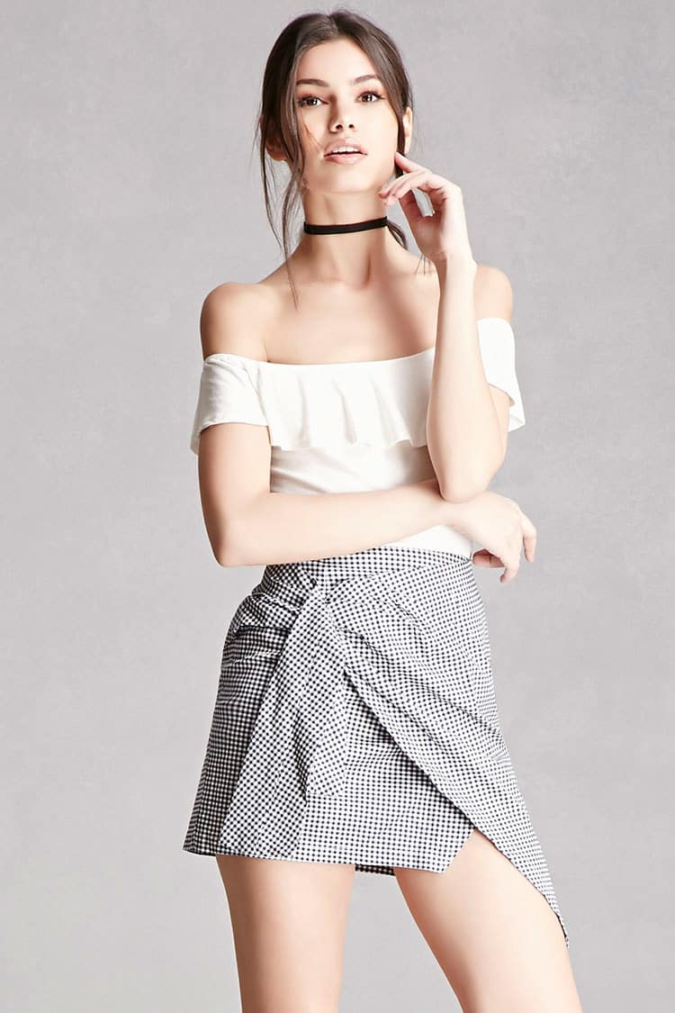 Tanger Outlets Forever 21 ruched gingham skirt