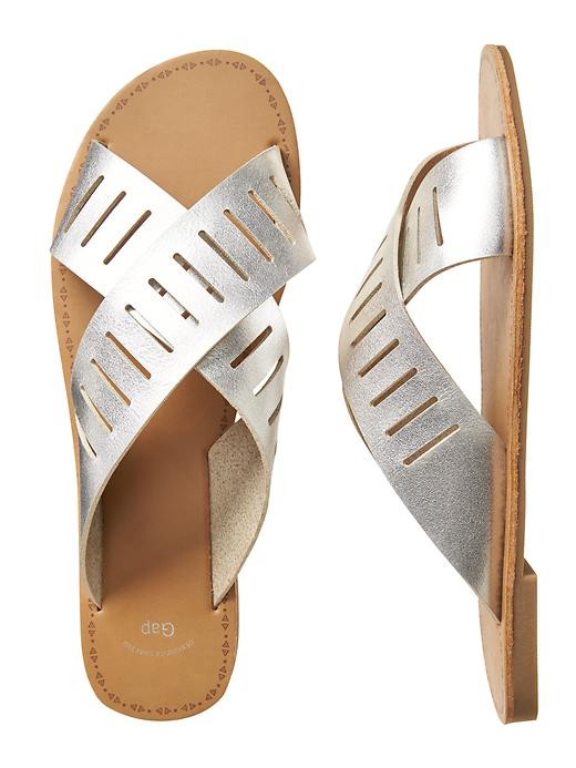 Tanger Outlets Gap Factory Store slide sandals