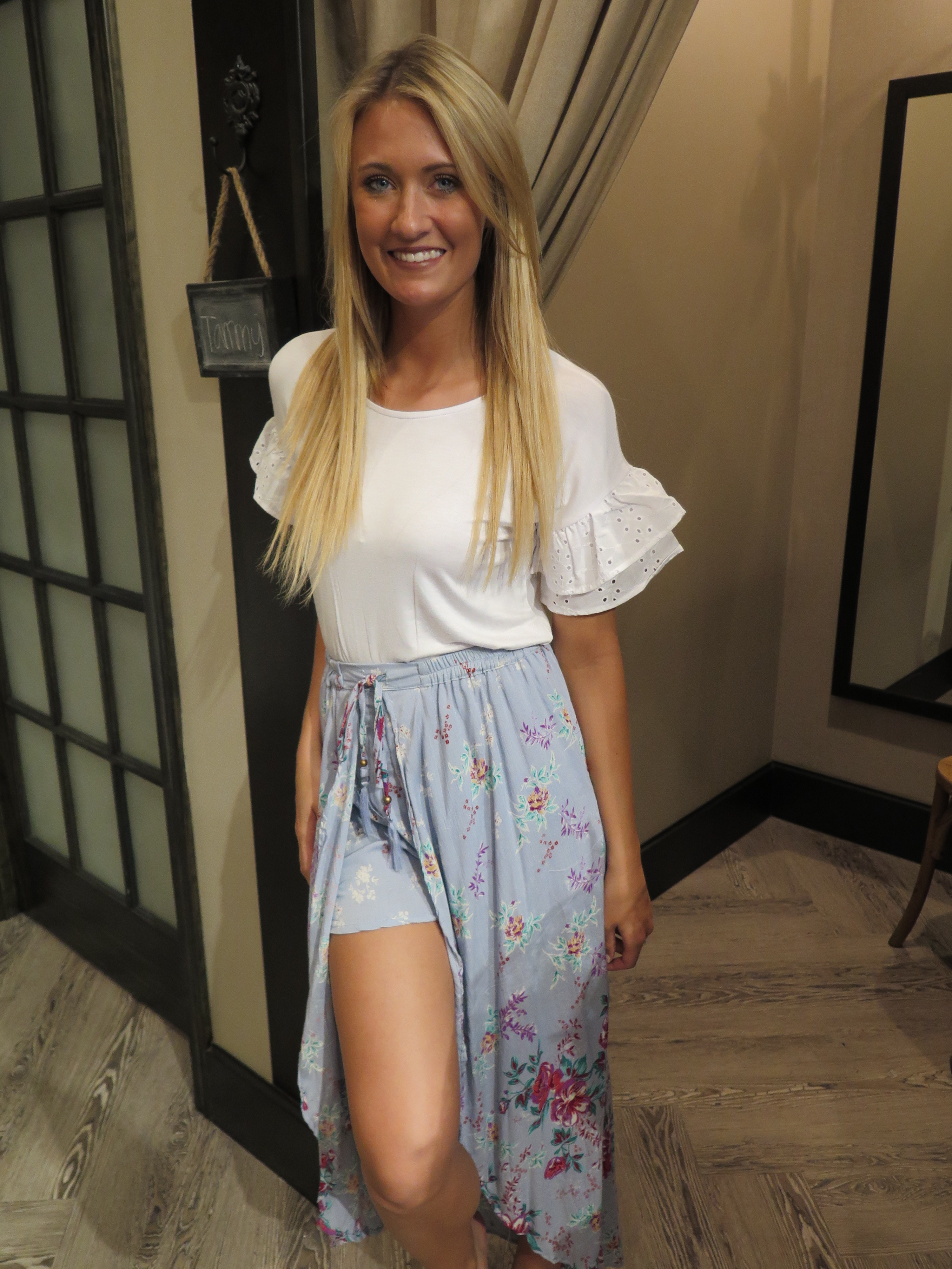 Tanger Outlets francesca's white ruffle sleeve top, floral skirt