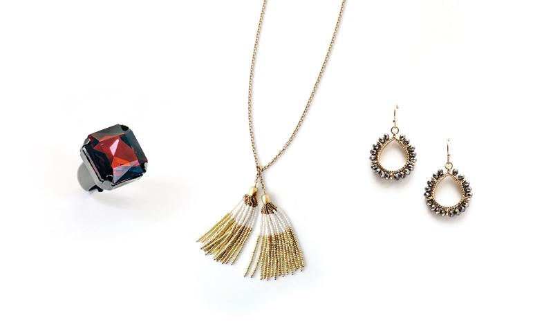 Tanger Outlets gold tassel necklace