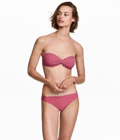 Tanger Outlets H&M scalloped bikini