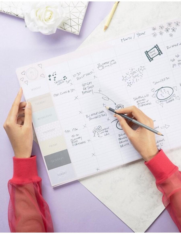 Tanger Outlets francesca's weekly desktop planner