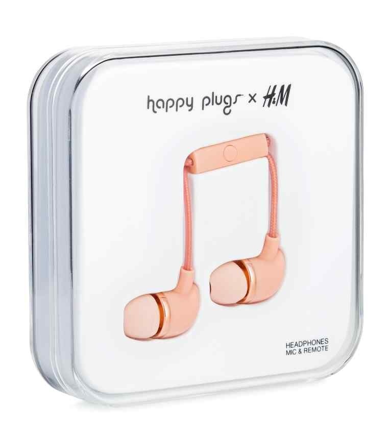Tanger Outlets H&M happy plugs headphones