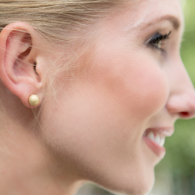 tanger outlets j crew gold stud earrings