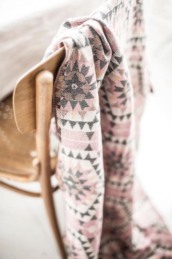 Tanger Outlets_Blush Throw