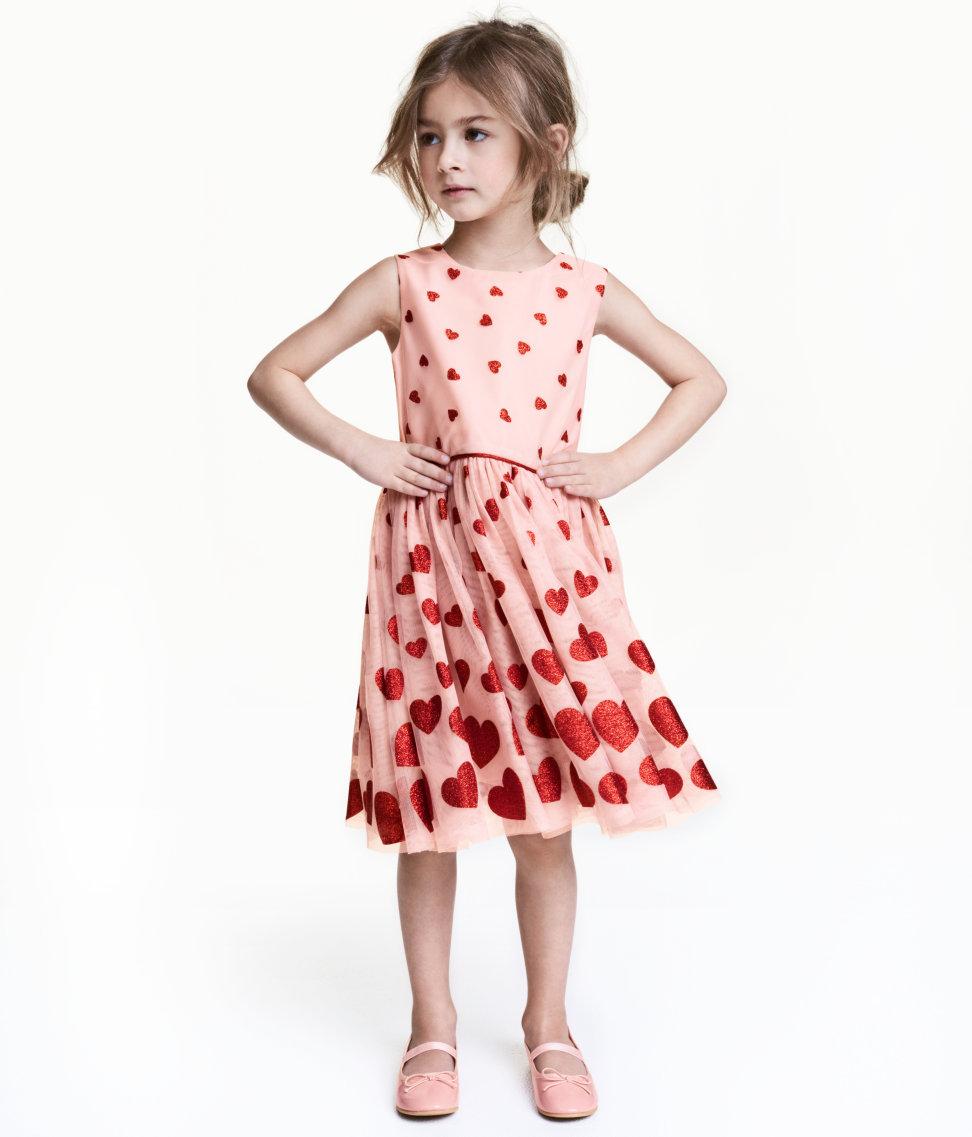 Tanger Outlets H&M heart tulle dress