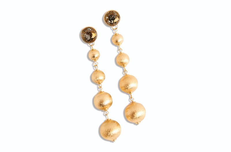 Tanger Outlets gold drop earrings