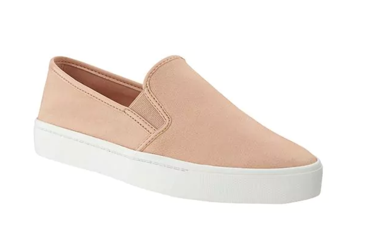 Tanger Outlets Banana Republic Factory Store slip on sneakers