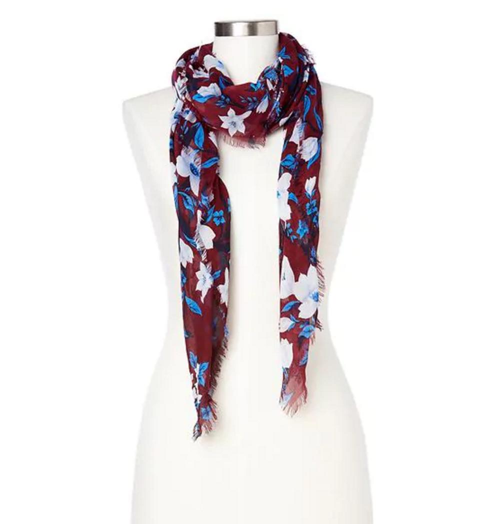 tanger outlets gap fringe scarf