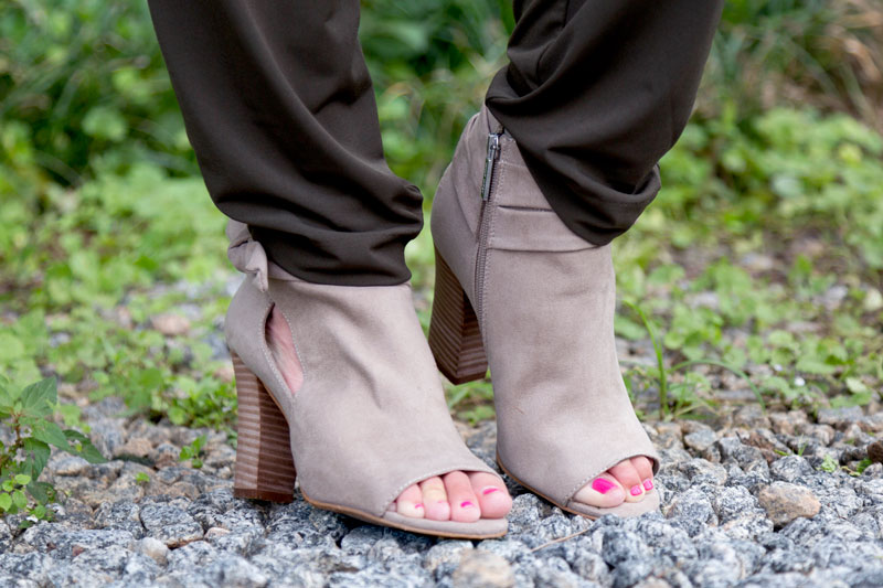 tanger outlets nine west grey peep toe booties