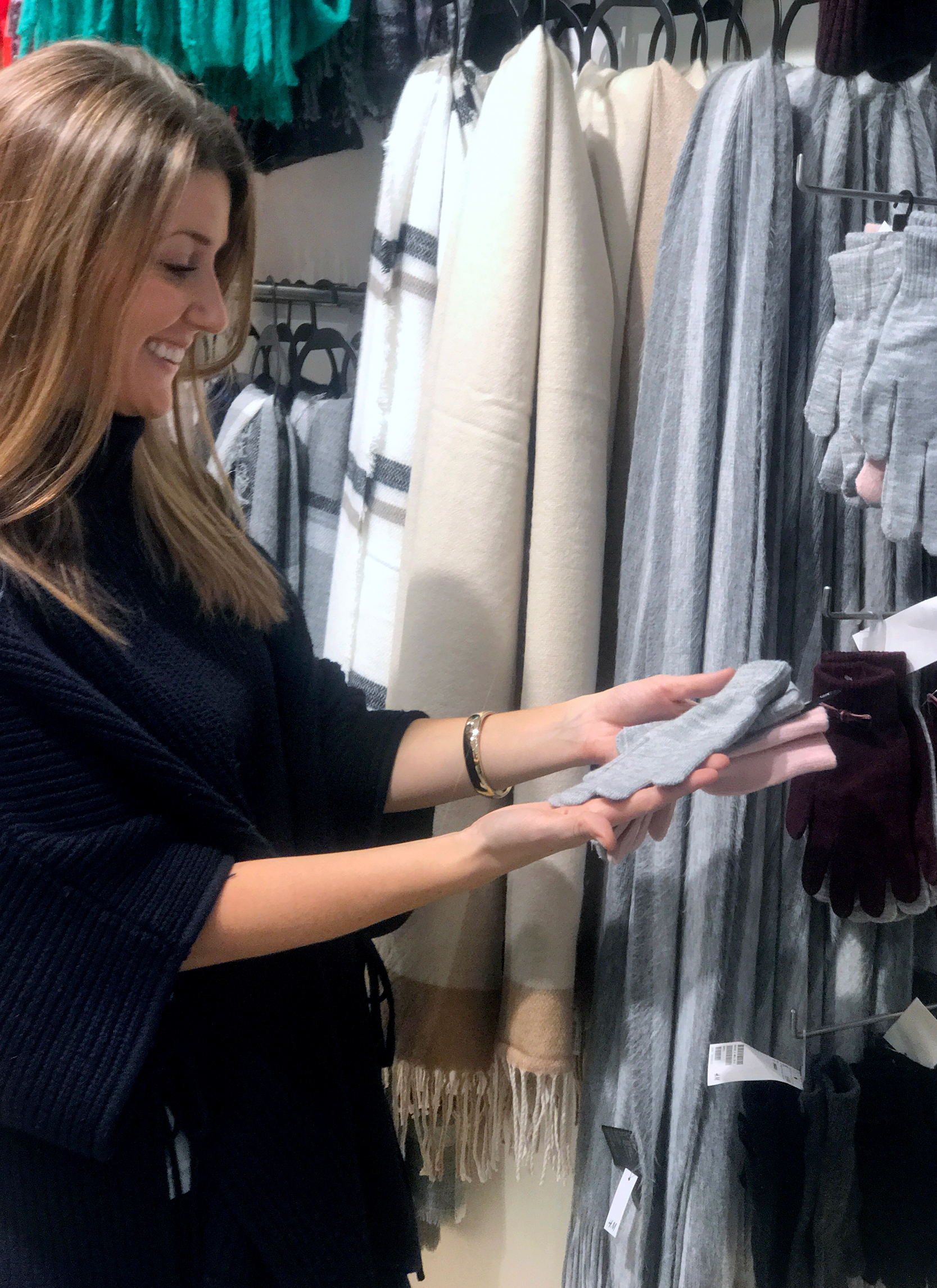 tanger outlets h&m scarves and mittens
